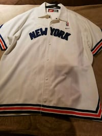 WHITE RED BLUE NEWYORK KNICKS 2 peice warmup Queens, 11413