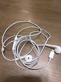 Iphone headphones Norfolk, 23502