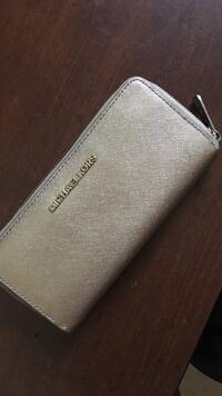 Gold-colored michael kors wallet Whitby