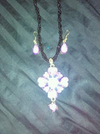 Earrings and matching necklace purple Atlanta, 30315