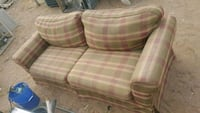 white and pink plaid loveseat El Paso, 79930