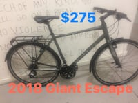 Like new, 2018 Giant Escape performance City Commuter large frame $275 Vancouver, V6Z 1W8