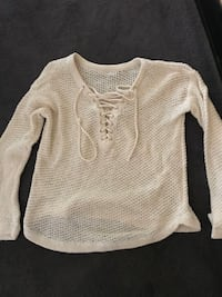URBAN OUTFITTERS NEW SWEATER SIZE XS Highland Park