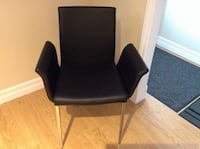 black leather padded rolling armchair Québec, G1C