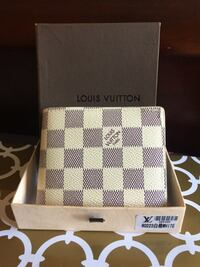 Beautiful Off White LV Wallet in Box Mississauga, L4Z 3M4