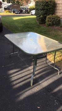 Outdoor dining table Plainville, 06062