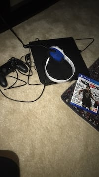 Ps4 with 25+ games controller and headset Bowie, 20721