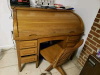 1920's wooden roll top desk Oxon Hill, 20745