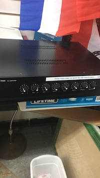 black stereo amplifier