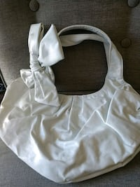 NWOT white handbag with bow never used