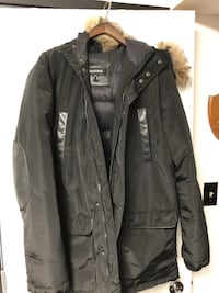 Danier down hooded parka sz M Burnaby, V5G 3X4
