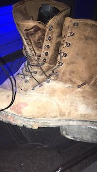 Shmidt boots like new still just dirty picture will clean up like new for you Kingsport, 37660