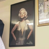 Marilyn Monroe photo with black wooden frame Las Vegas, 89115