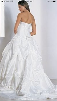 You will truly feel like a princess in this dress  Calgary, T2A 5N5