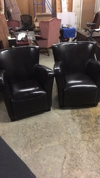 Two brown leather chairs $120 Hamilton, L8E 2Y8