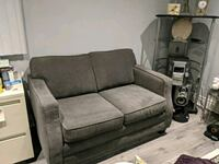 2 and 3 seat couch Scarborough, M1E