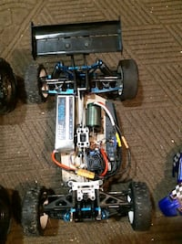 1/8th buggy. 6s. Batteries not included