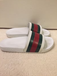 Size 10 Gucci slides with box Sterling, 20165