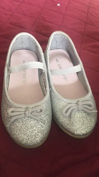 Pair of gray leather flats Longueuil, J3Y 1V1