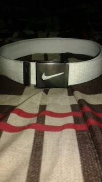 White Nike belt Georgina, L4P 2Y7