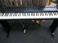 Roland Digital Piano with Stand Morgantown, 19543
