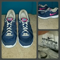 Nike low-top sneakers size 4.5 Y Kimball, 57355