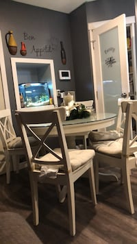 White wooden table with  5 chairs Winnipeg, R3T 1H2