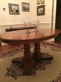 Oak Dining Room set. Comes with table(some imperfections), 2 arm and 2 side chairs, 2 leaves and sideboard. Fredericksburg, 22406