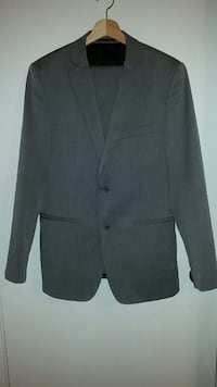 Zara Mens Grey Suit Toronto, M5A 4H1