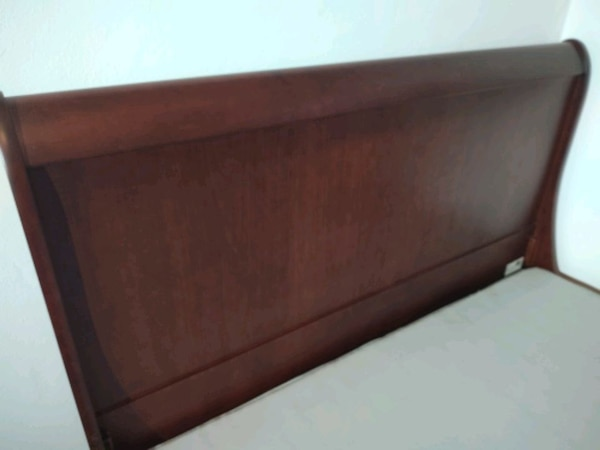 Solid wood sleigh bed 2