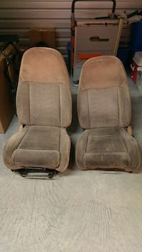 Seats out of a 1995 Ford Ranger