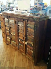 Buffet en bois recycle Mont-Royal, H3P 2B9