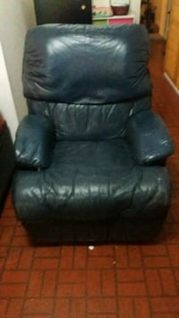black leather recliner sofa chair Fairfax, 22032