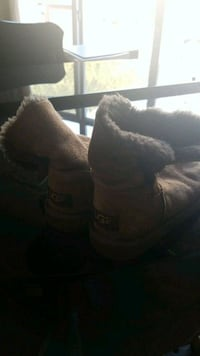 pair of brown kids Ugg suede boots Coquitlam, V3E 3K1