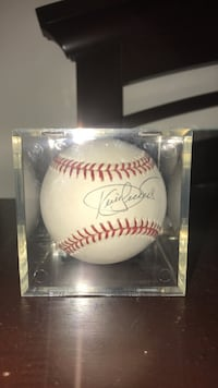 Baseball autographed by  Kirby Puckett Baltimore, 21218