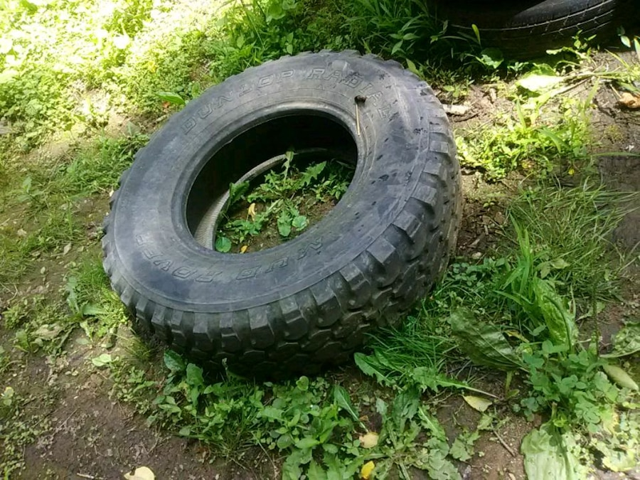 Photo One tire 265/75/16
