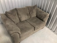 ***Couch for sale, must go*** Overland Park, 66214