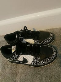 Nike dunks size 6.5 Silver Spring