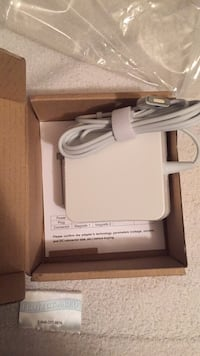 macbook charger  Los Angeles, 90018