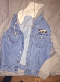 Hooded denim coors lite jacket size small  Des Moines, 50169