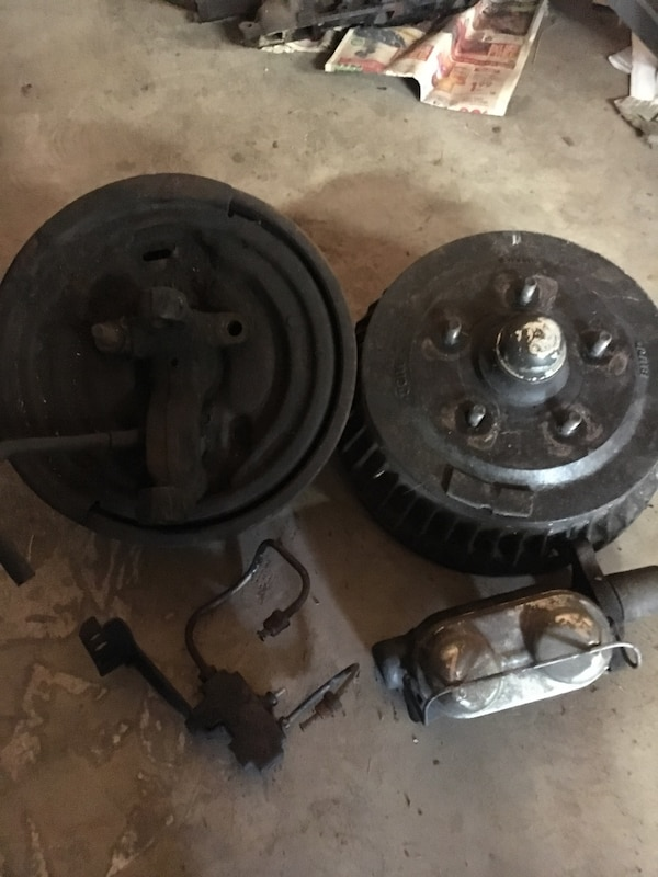 67-69 camaro front spindles and brake parts all working just took off to  put discs on