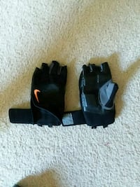 Nike Weightlifting Gloves  Germantown, 20876