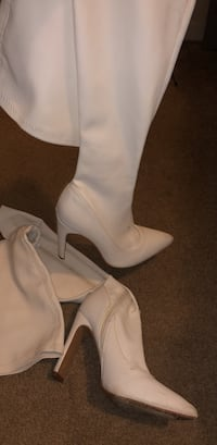 white leather side zip boots Frederick, 21702