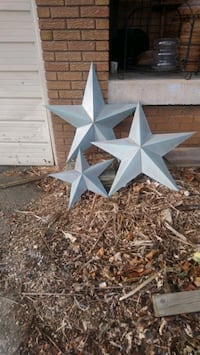 Set of three steel stars