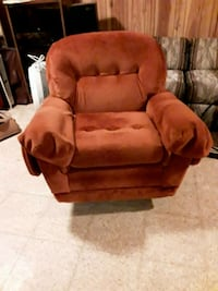 brown fabric tufted sofa chair Lutherville-Timonium, 21093