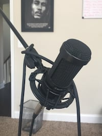 microphone with stand Baltimore, 21234