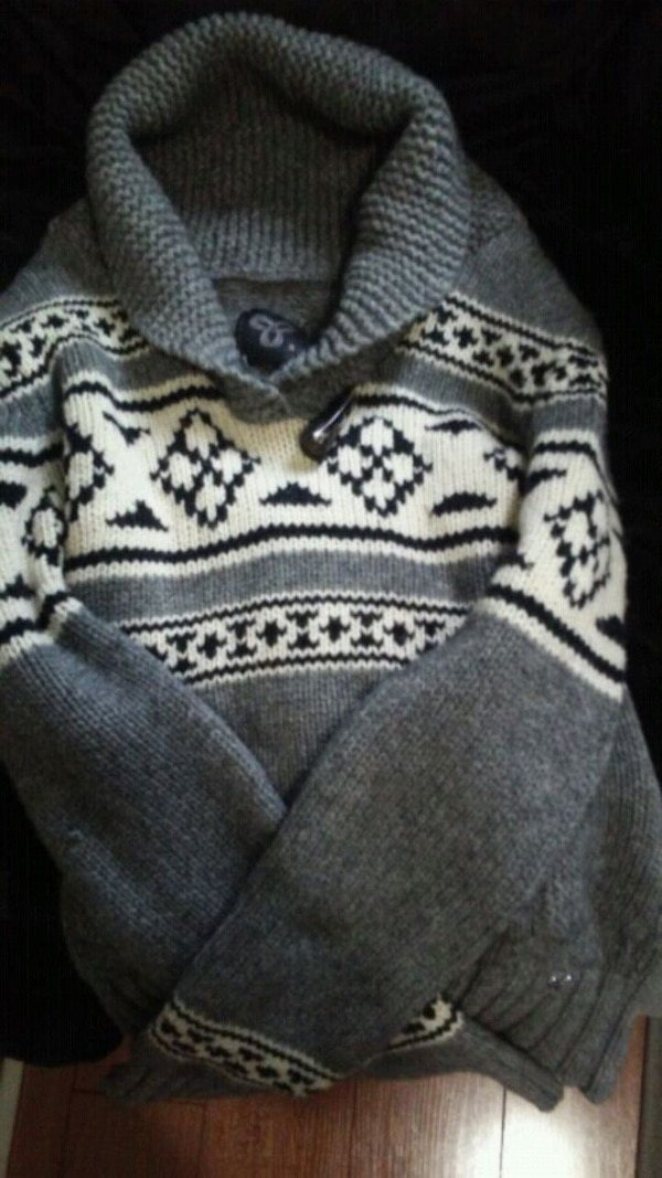TNA knitted sweater size small