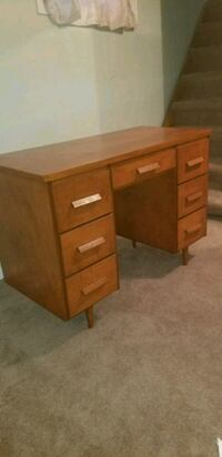 Solid wood desk 1958 km