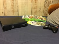 Black xbox 360 with controller Cypress, 90630