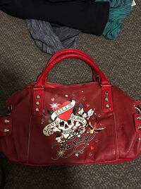 Red and black leather tote bag Ed Hardy in mint condition  Kelowna